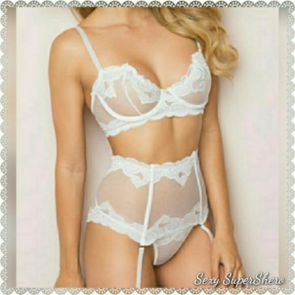 Bridal White Embroidery 4p Lingerie set Cincher e8e36f70c